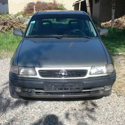 Opel astra 1996г.